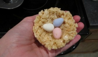 Easter Twist on a Classic Treat: Rice Krispies Bird's Nests with Chocolate Robin Eggs!