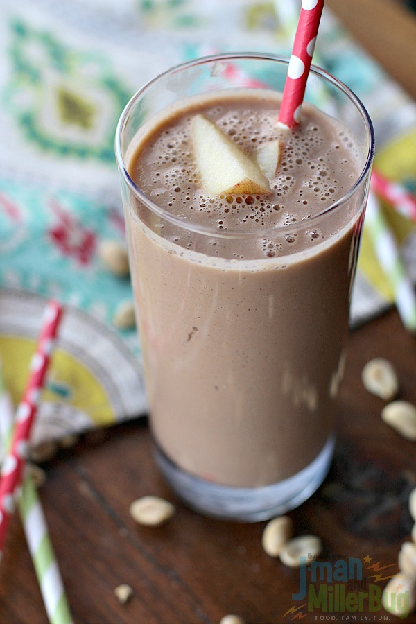 #StartWithJifPowder #ad Apple and Peanut Butter Smoothie Finished 4