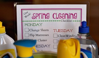 Tips for Cleaning Quickly & a Spring Cleaning Checklist