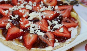 Spicy Strawberry Fruit Pizza