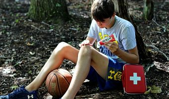 First Aid Kit Ideas for the Sports Mom & a Free Printable